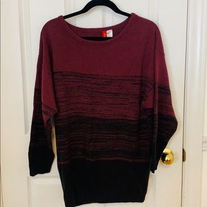 H&M Plum and Black Top